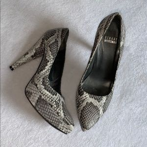 Stuart Weitzman snakeskin heels size 5.5!